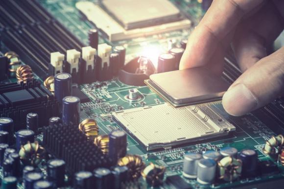 半導体メーカーの世界ランキング:サムスンが初のインテル超え、東芝は ...