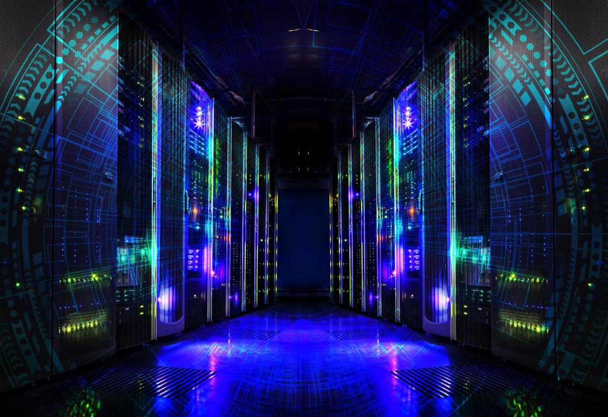 サーバ仮想化だけじゃない!「HCI」がクラウドや業務システムを変える理由